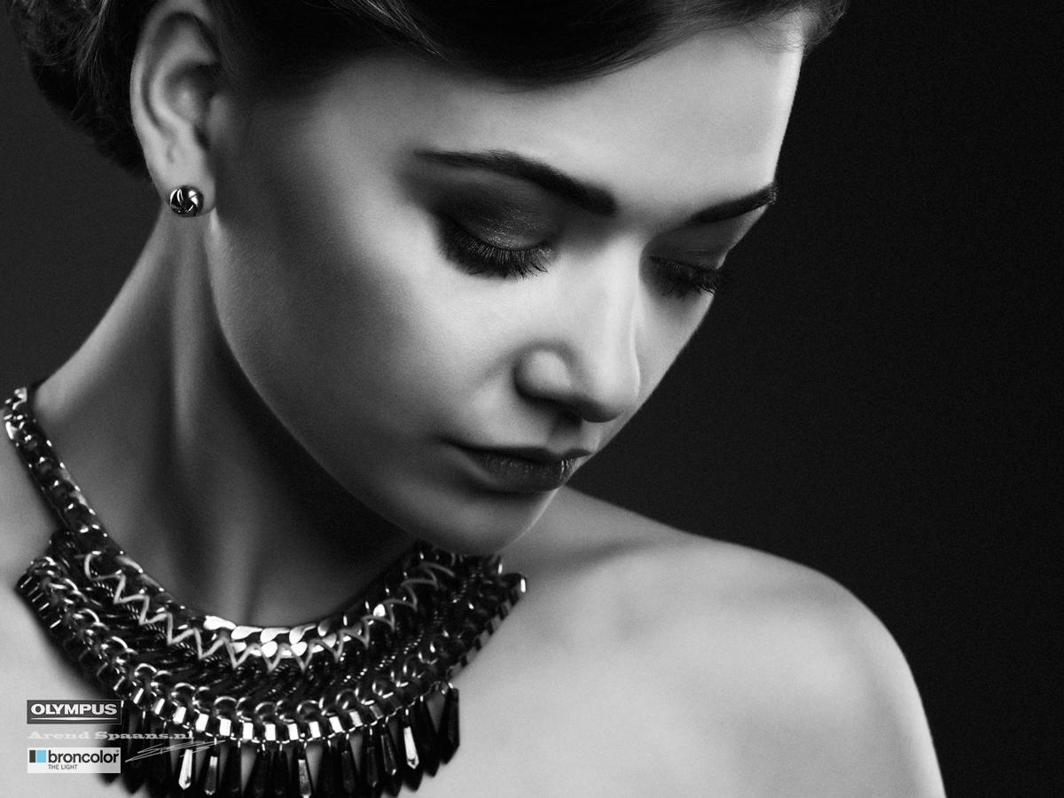 Model: Guusje Visagie: Diana Fotografie: Arend Spaans