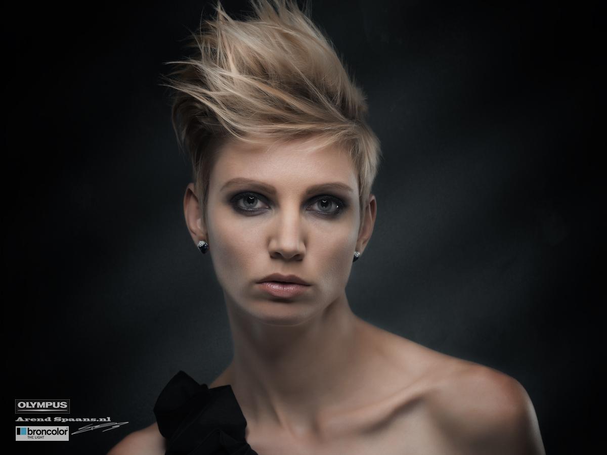 Model: Inge MUA: Priscilla Haar: Antoinette